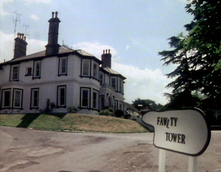 Fawlty Towers - opening titles from The Builders