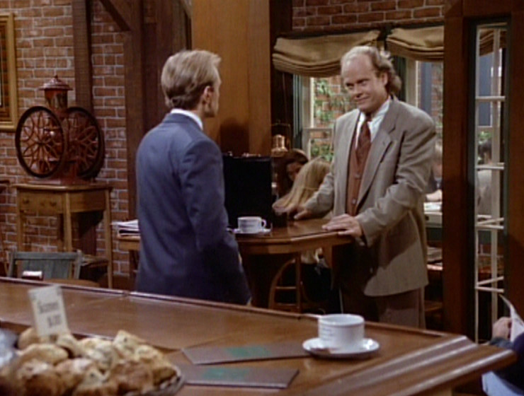 Frasier entering the cafe